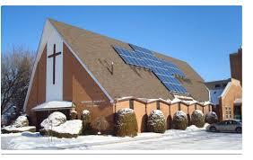 kerk met zonnepanelen