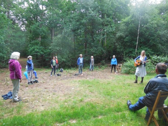 zingen in het bos